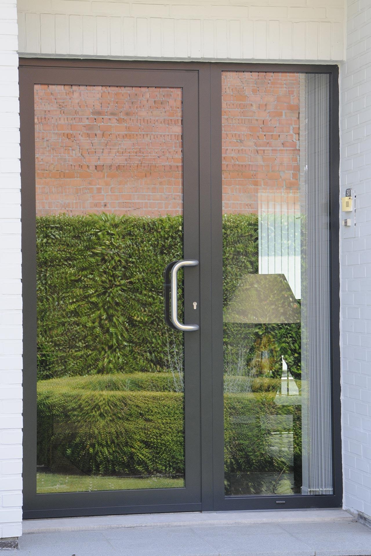 Moderne deuren - Van Praet nv